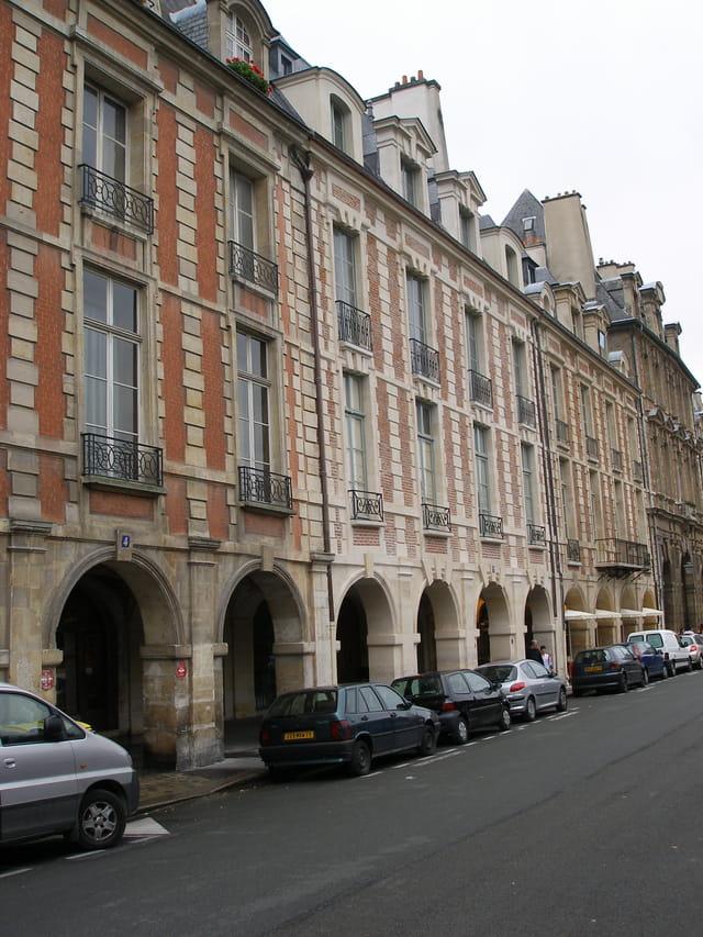 Autour de la place des Vosges.