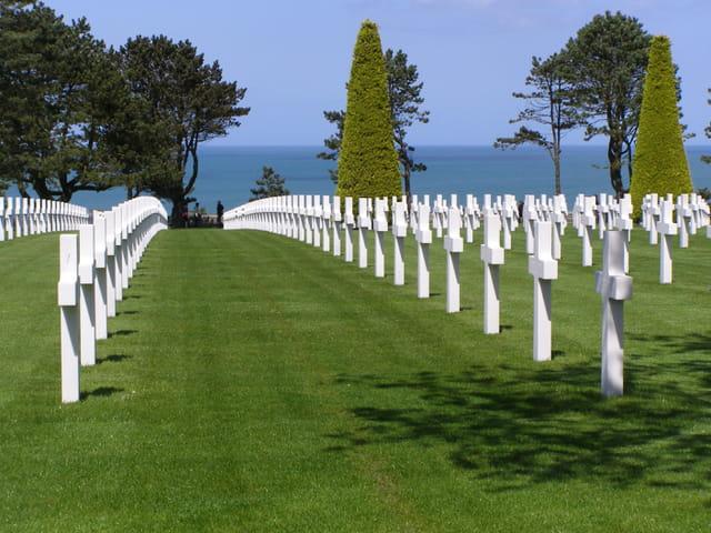 Autres pierres tombales du cimetière américain