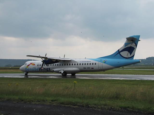 Avion ATR 72 - Danube Wings.