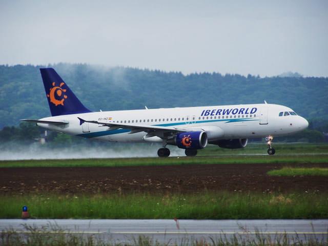 Avion de ligne - Airbus A 320 - Cie Iberworld.