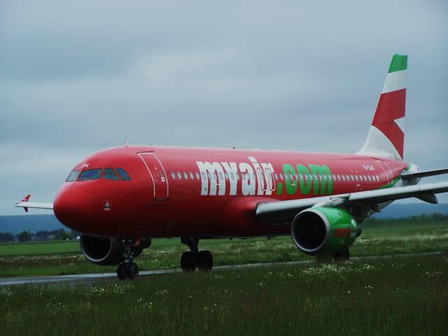 Avion de ligne - Airbus A 320 - Cie Myair.