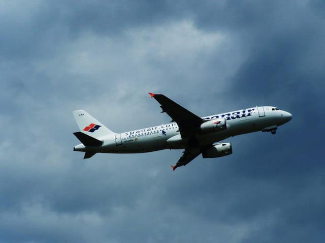 Avion de ligne - Airbus A 320 - Cie Spanair.