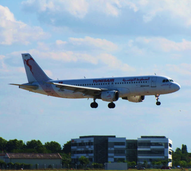 Avion de ligne Airbus A320 - Cie Tunis Air.