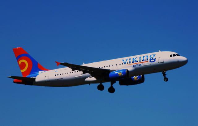 Avion de ligne Airbus A320 - Cie VIKING.