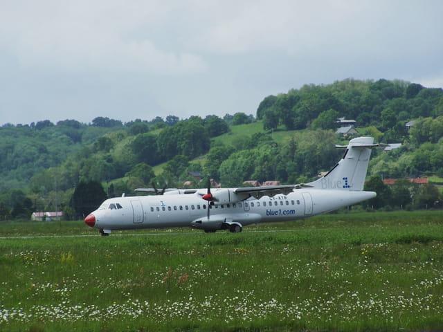 Avion de ligne ATR 72 - Blue 1.