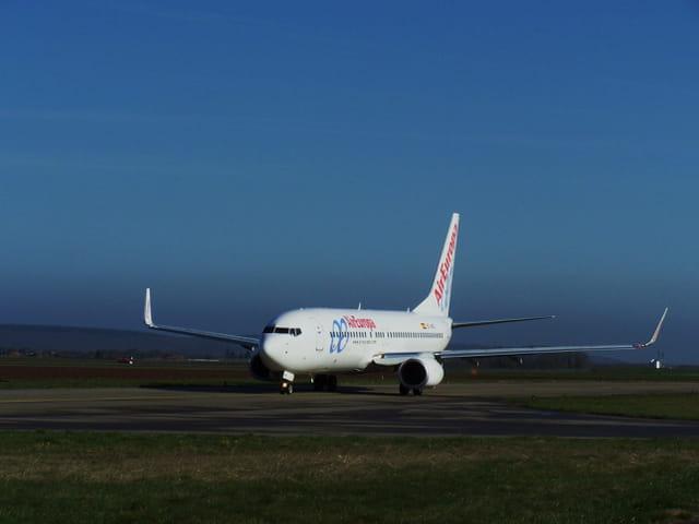 Avion de ligne - Boeing 737-800 - Cie Air Europa.