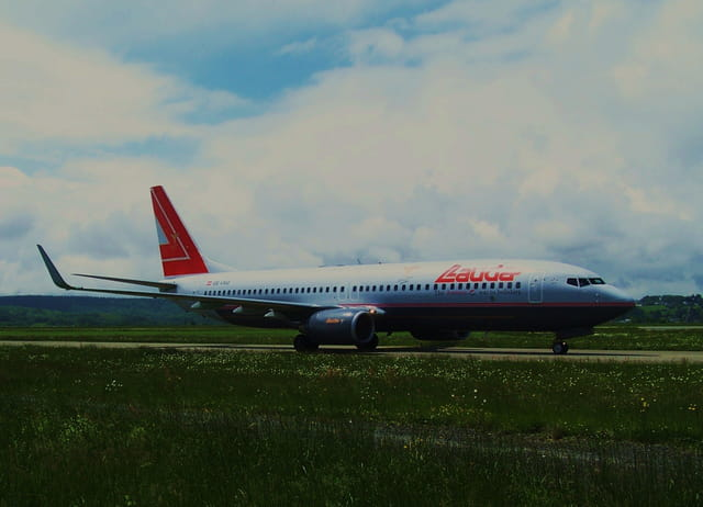 Avion de ligne - Boeing 737-800 - Cie LAUDA.