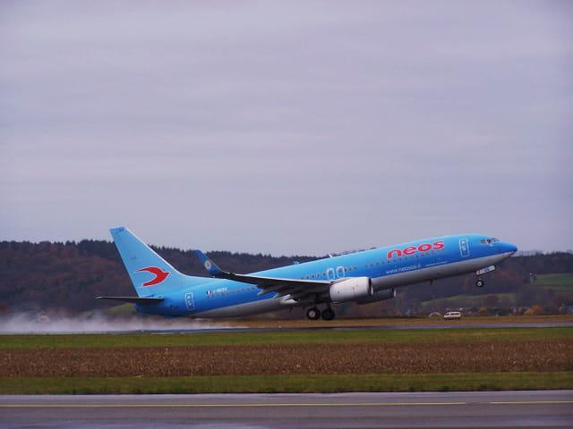 Avion de ligne Boeing 737-800 - Cie NEOS.