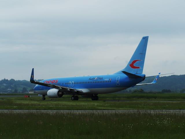 Avion de ligne - Boeing 737-800 -  Cie Neos - Radio Italia.