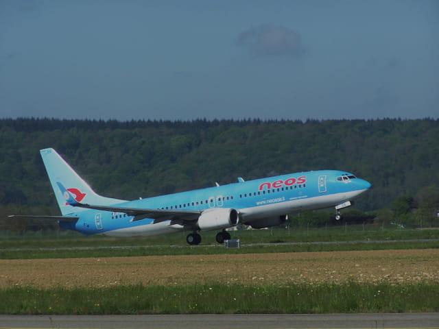 Avion de ligne Boeing 737-800 Neos.