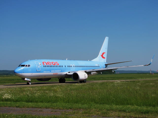 Avion de ligne Boeing 737-800 - NEOS.
