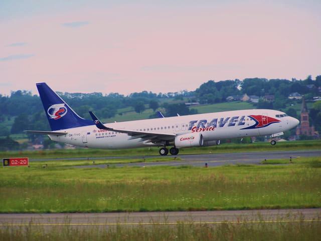 Avion de ligne Boeing 737-800 - Travel service