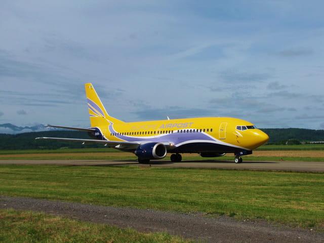 Avion de ligne Boeing 737 - Cie Airpost.