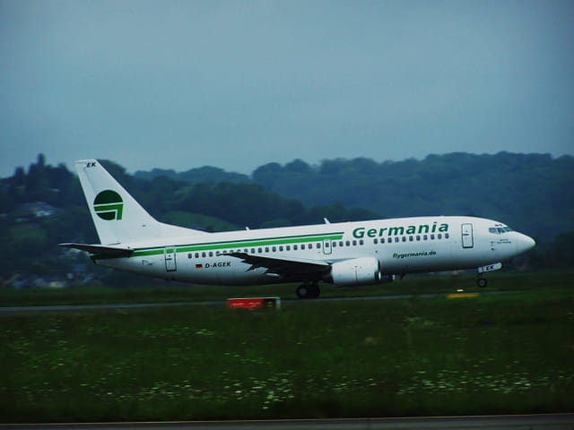 Avion de ligne - Boeing 737 - Cie Germania.