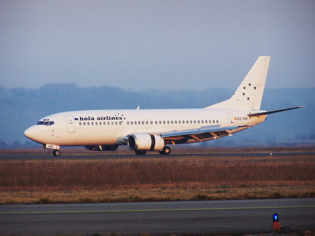 Avion de ligne Boeing 737 - Cie Hola airlines.