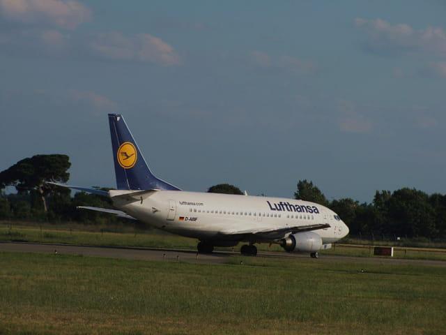 Avion de ligne Boeing 737 - Cie Lufthansa.