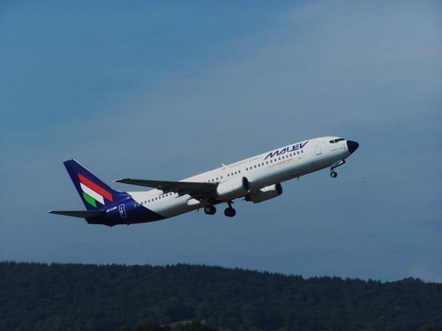 Avion de ligne Boeing 737 - Cie Malev.