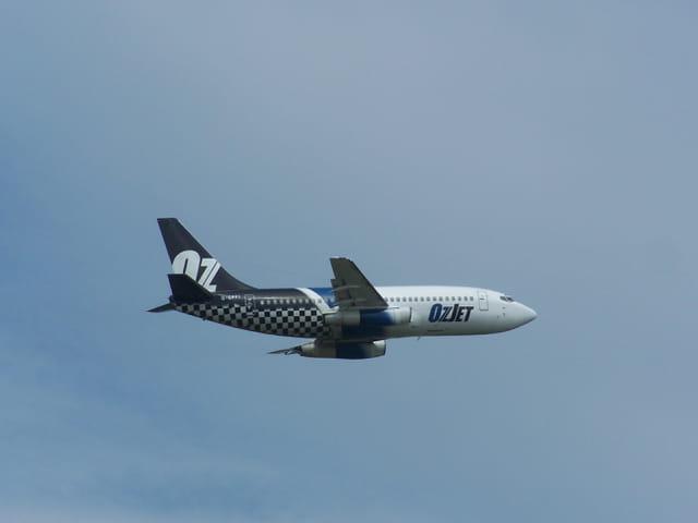 Avion de ligne Boeing 737 - Cie OZ.