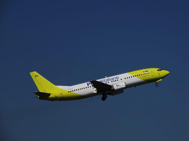 Avion de ligne Boeing 737 - Cie Poste italiane.