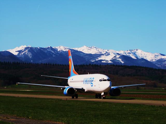 Avion de ligne - Boeing 737 - Cie VIKING.