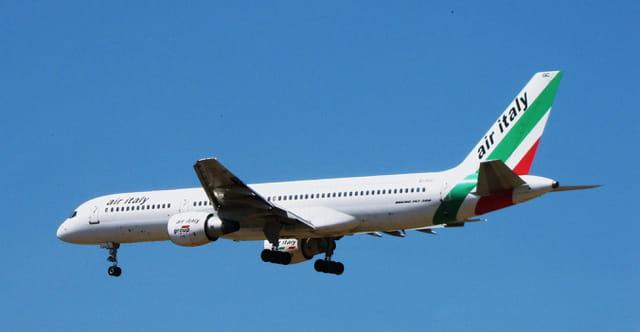 Avion de ligne Boeing 757-200 Air - Italy..