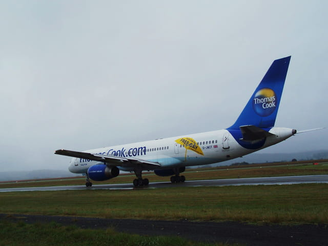 Avion de ligne - Boeing 757 - Cie Thomas Cook.