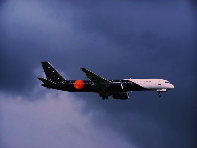 Avion de ligne - Boeing 757 - Cie Titan Airways.