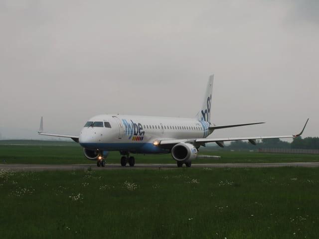 Avion de ligne Embraer 195 - Cie FLYBE.