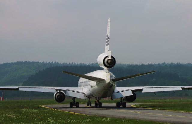Avion de ligne MD 11 - Cie WORLD.