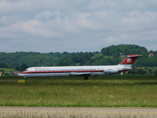 Avion de ligne MD 82 - Meridiana