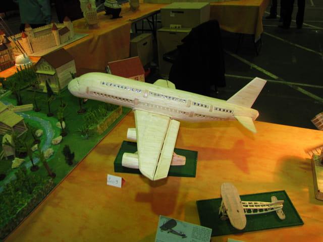 Avion de ligne - Montage en allumettes de l'Airbus A 380.