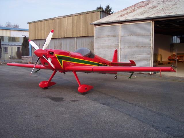 Avion de voltige Cap 232.