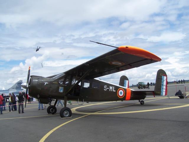 "Avion militaire ""Broussard""."
