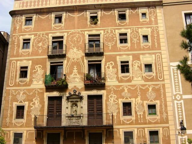 Barcelona, façade plaça del Pi