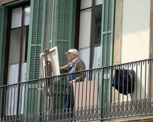 Barcelona, peintre au balcon