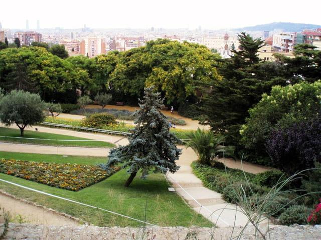 Barcelone - la beauté géométrique du Parc GUELL