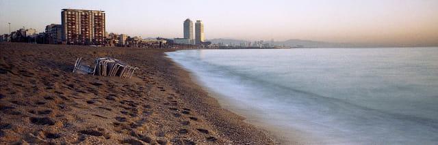 Barcelonne, matin sur la plage