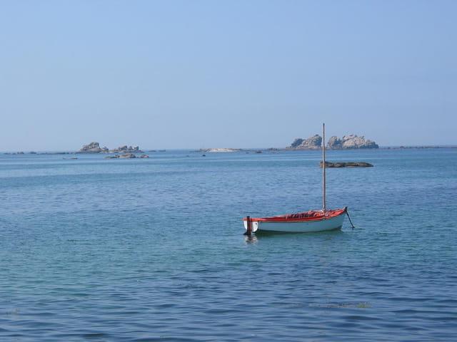 Barque au milieu de l'océan...