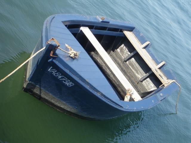 Barque bleu