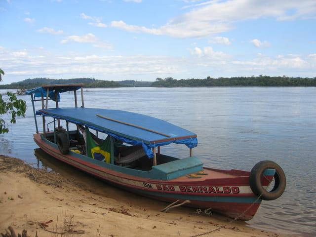 Barque en amazonie