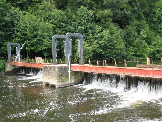 Barrage touristique