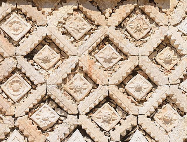 Bas-reliefs du Quadrilatère des Nonnes