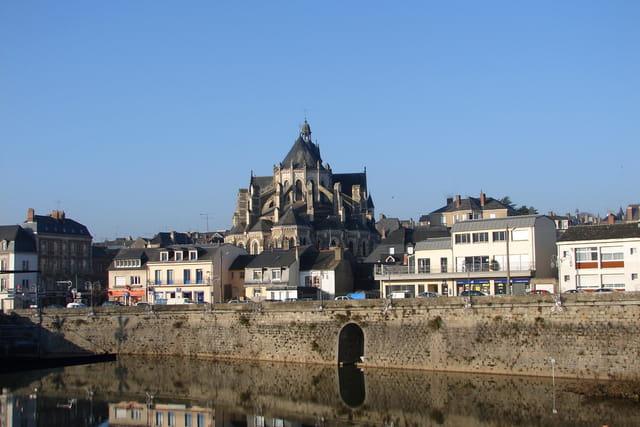 Basilique Notre Dame de Mayenne