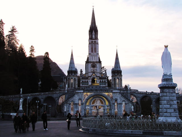Basilique Notre-Dame de Lourdes.