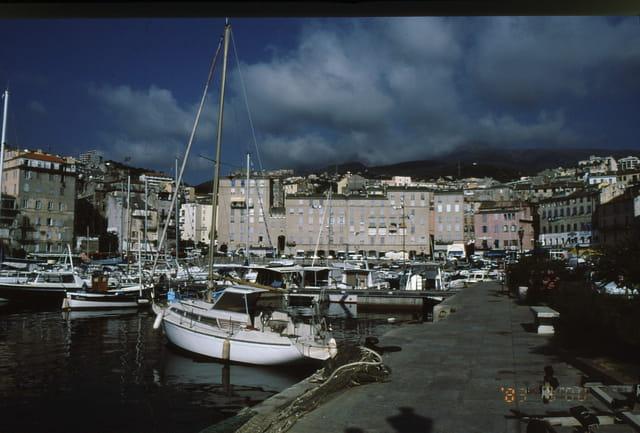 Bastia  (le port)