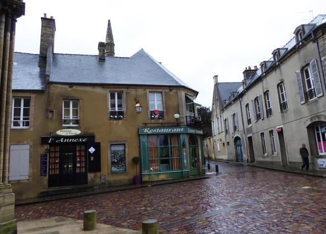Bayeux sous la pluie - 1