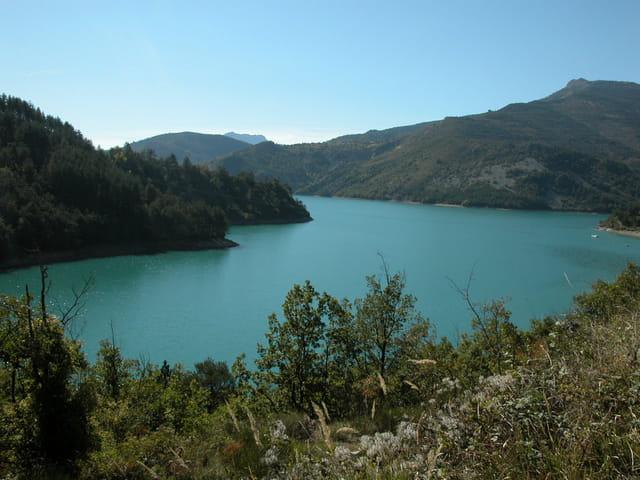 Beauté tranquille d'un lac