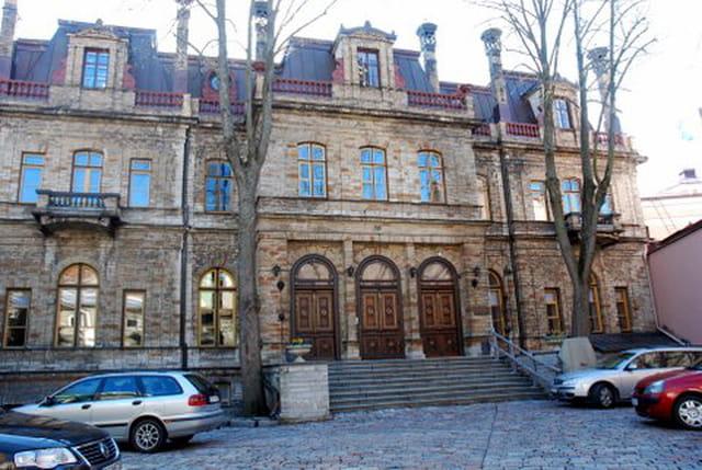 bel immeuble ancien de Tallinn