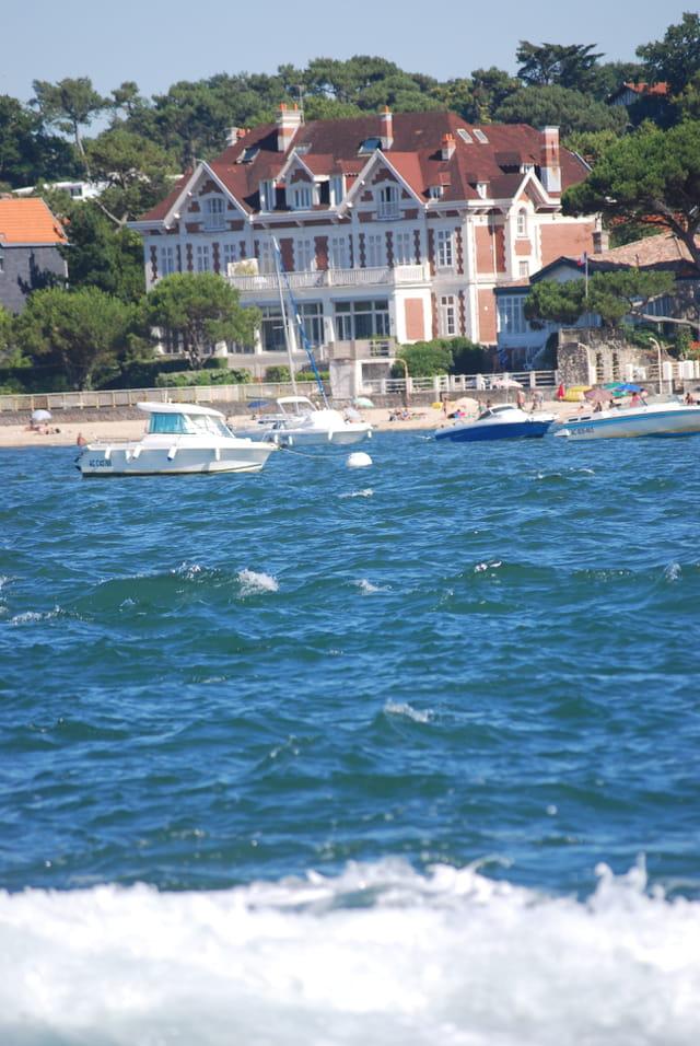 Belle demeure du bord du bassin d 39 arcachon par genevieve for Belles maisons du bassin