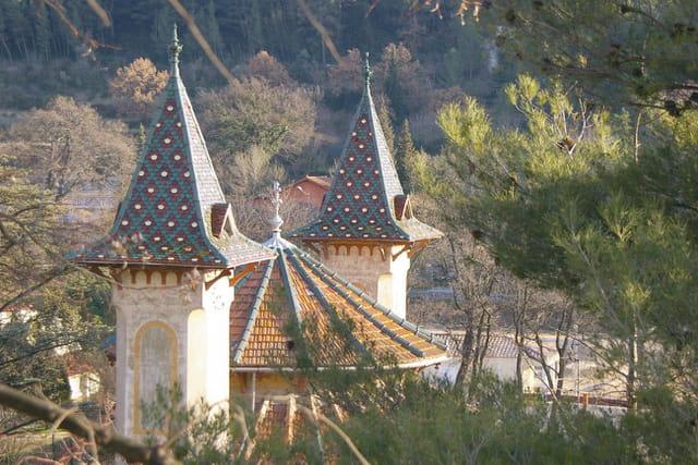 Belle toiture, Tour Maguit